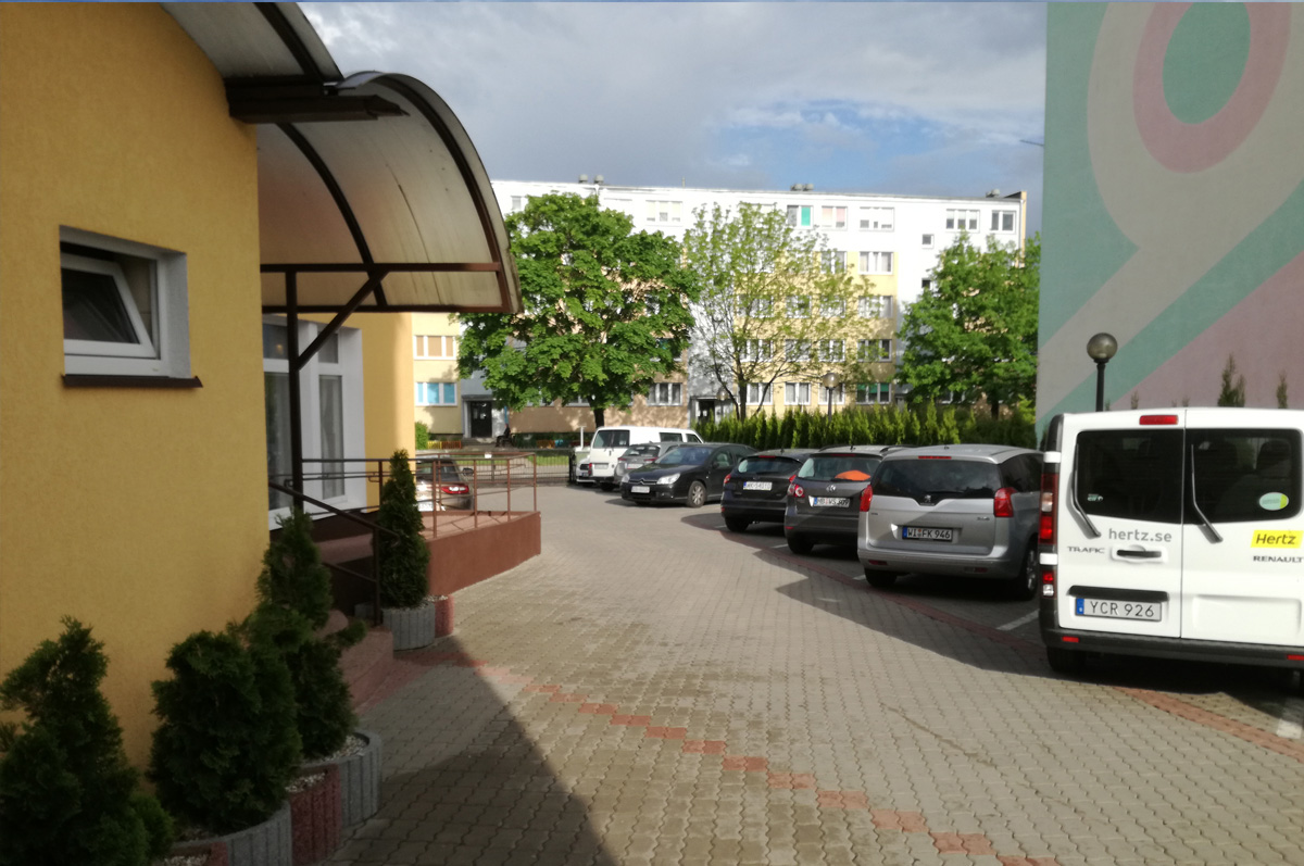http://www.wandahotel.com/wp-content/uploads/2013/10/parking.jpg